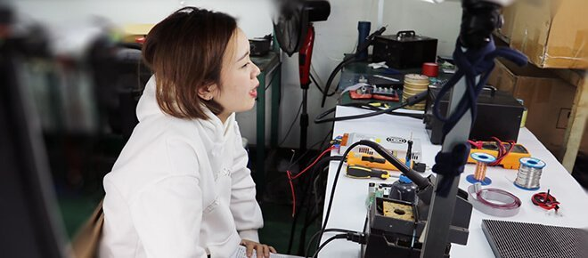 a 20 years old girl teach you how to repair the LED module